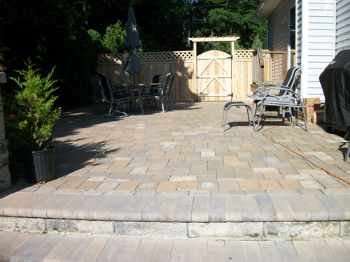 The Borders Of Your Stone Paver Patio Will Be Set In Mason Concrete Which  Will Hold Your Pavers In Place.